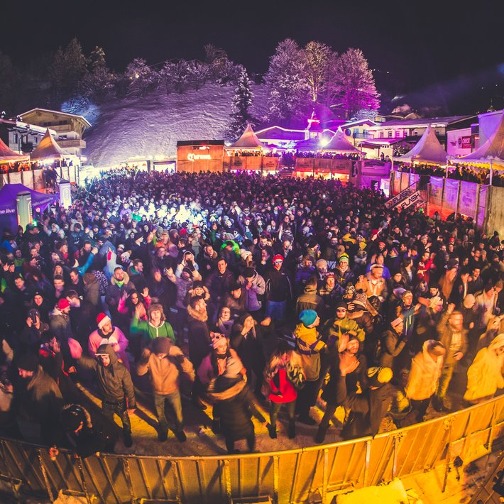Rave on Snow | © Tobi Stoffels_Neon Photography
